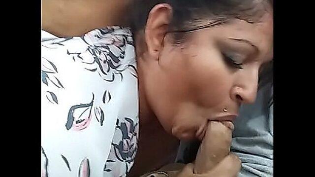 amateur wife sucking cum