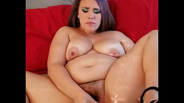 chubby squirting solo