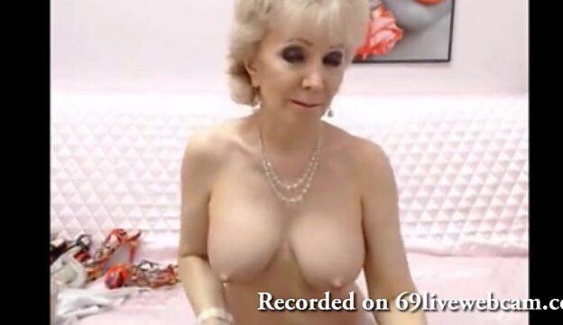 granny cam pussy