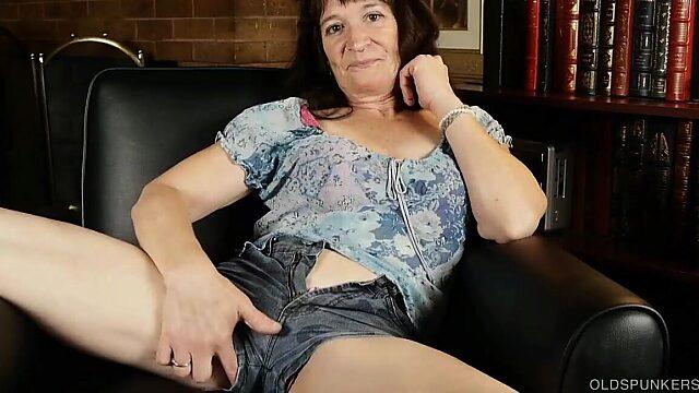 wet pussy granny