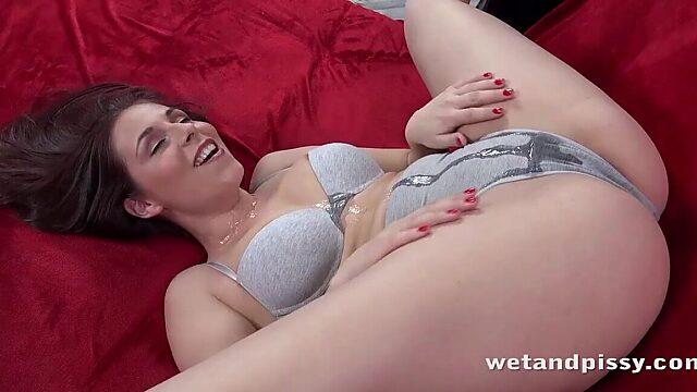 peeing panties