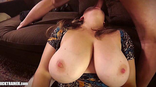 big natural tits mom