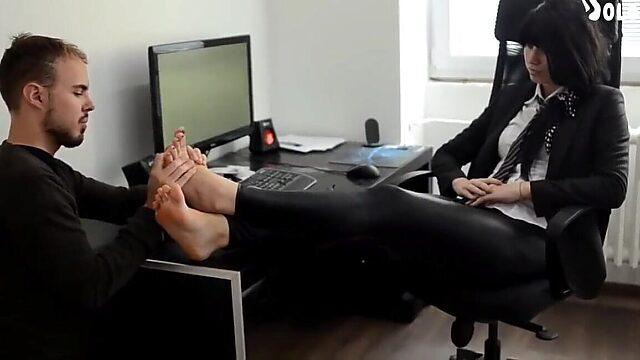 feet worship boss