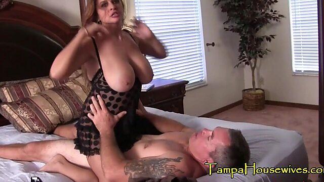 husband eating pussy