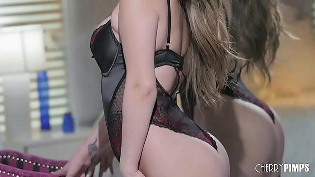 athena faris masturbating