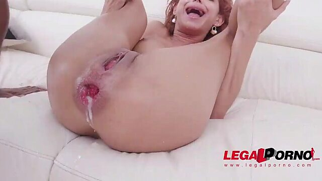 gaping squirt