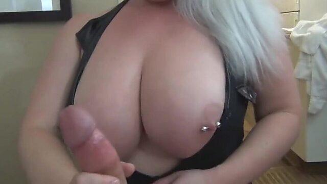 huge tits milf amateur