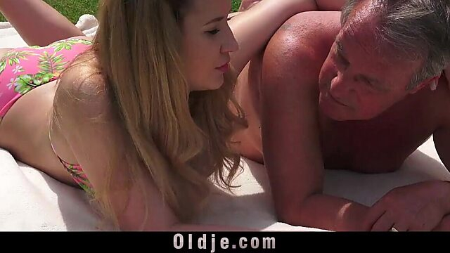 missionary and creampie