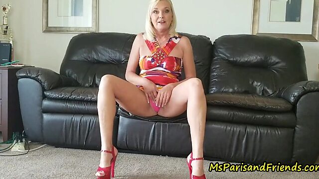 mommy want to play