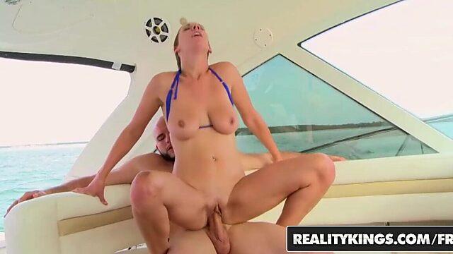 boat bikini fuck