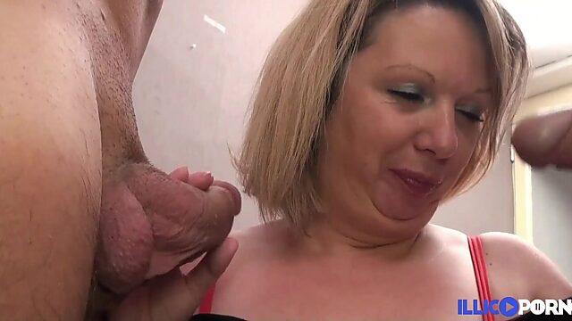 mom double penetration