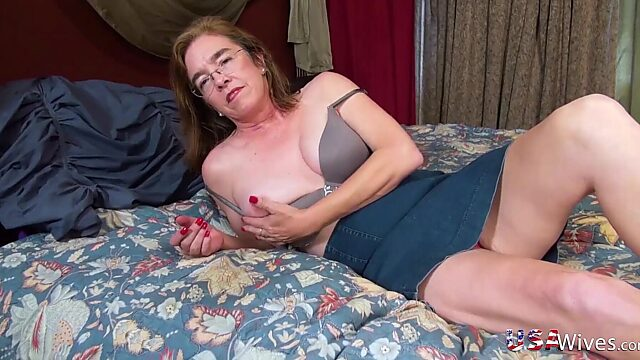 mature hairy solo